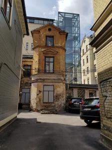 Gegensatz alt und neu in Riga